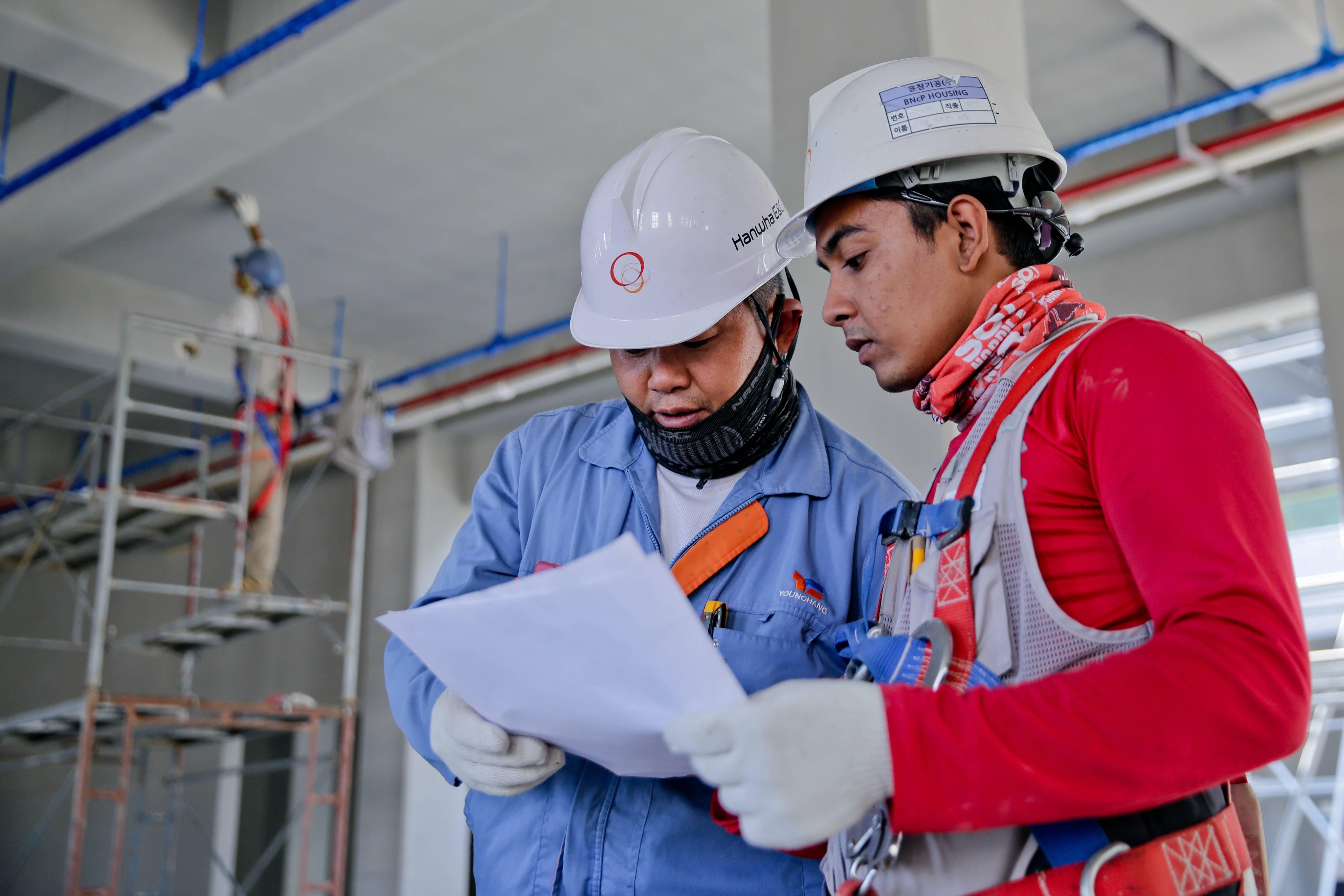 Encuentre empleados en el sector Construcción