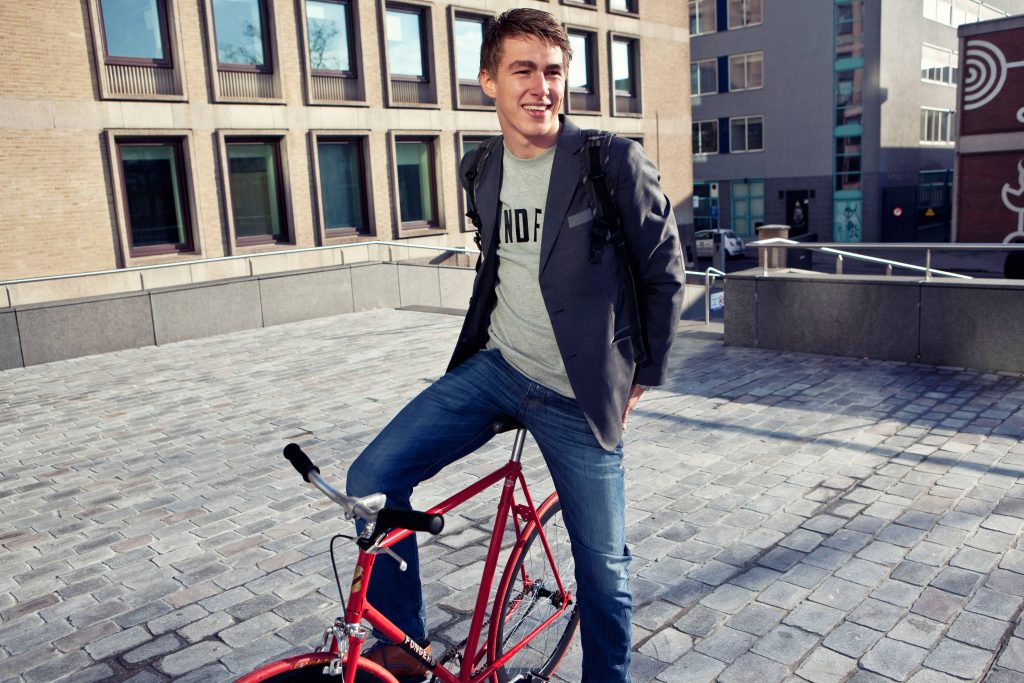 Student auf Fahrrad