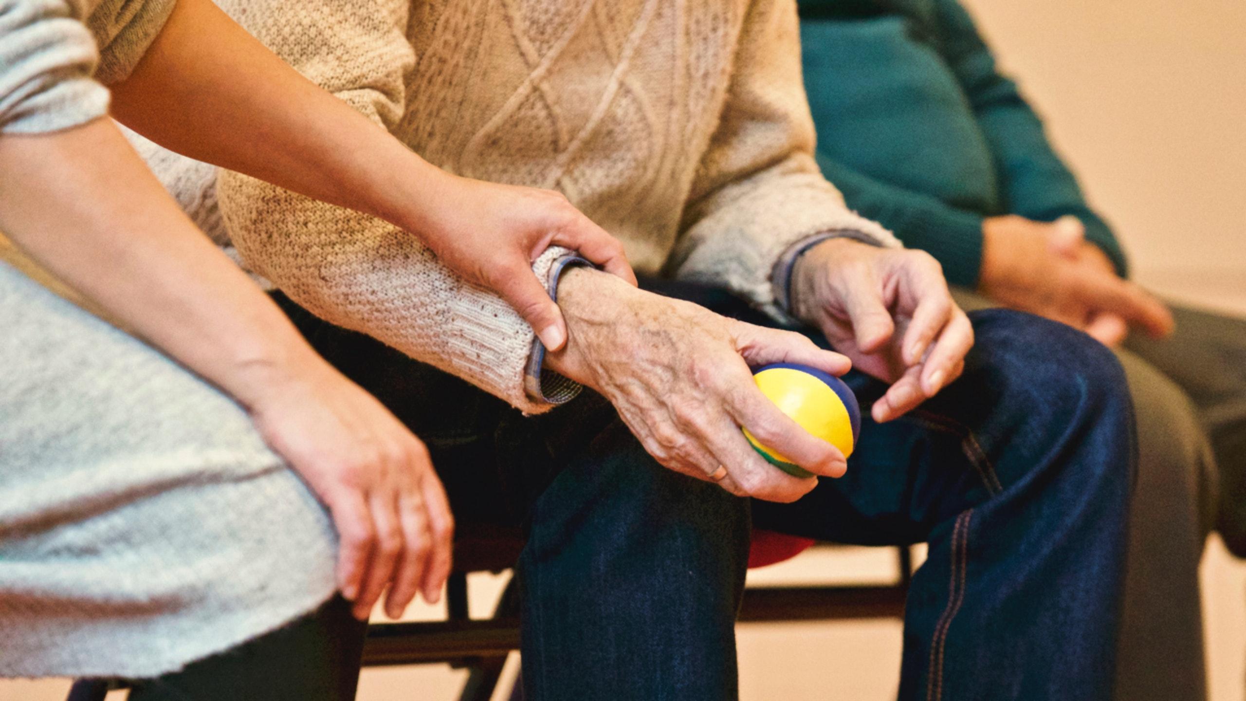 Helfende Hand für Senioren