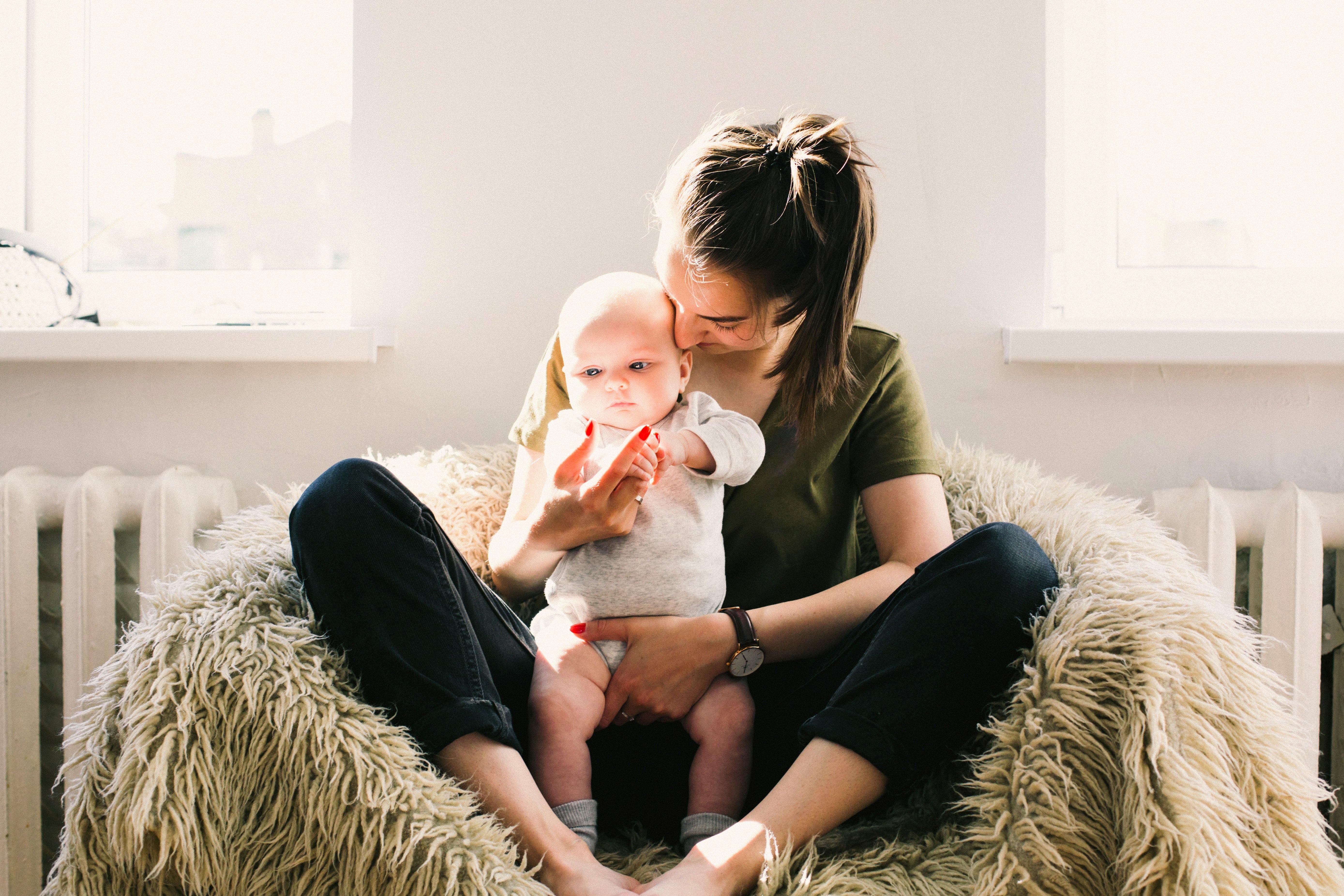 job étudiant comme baby-sitter