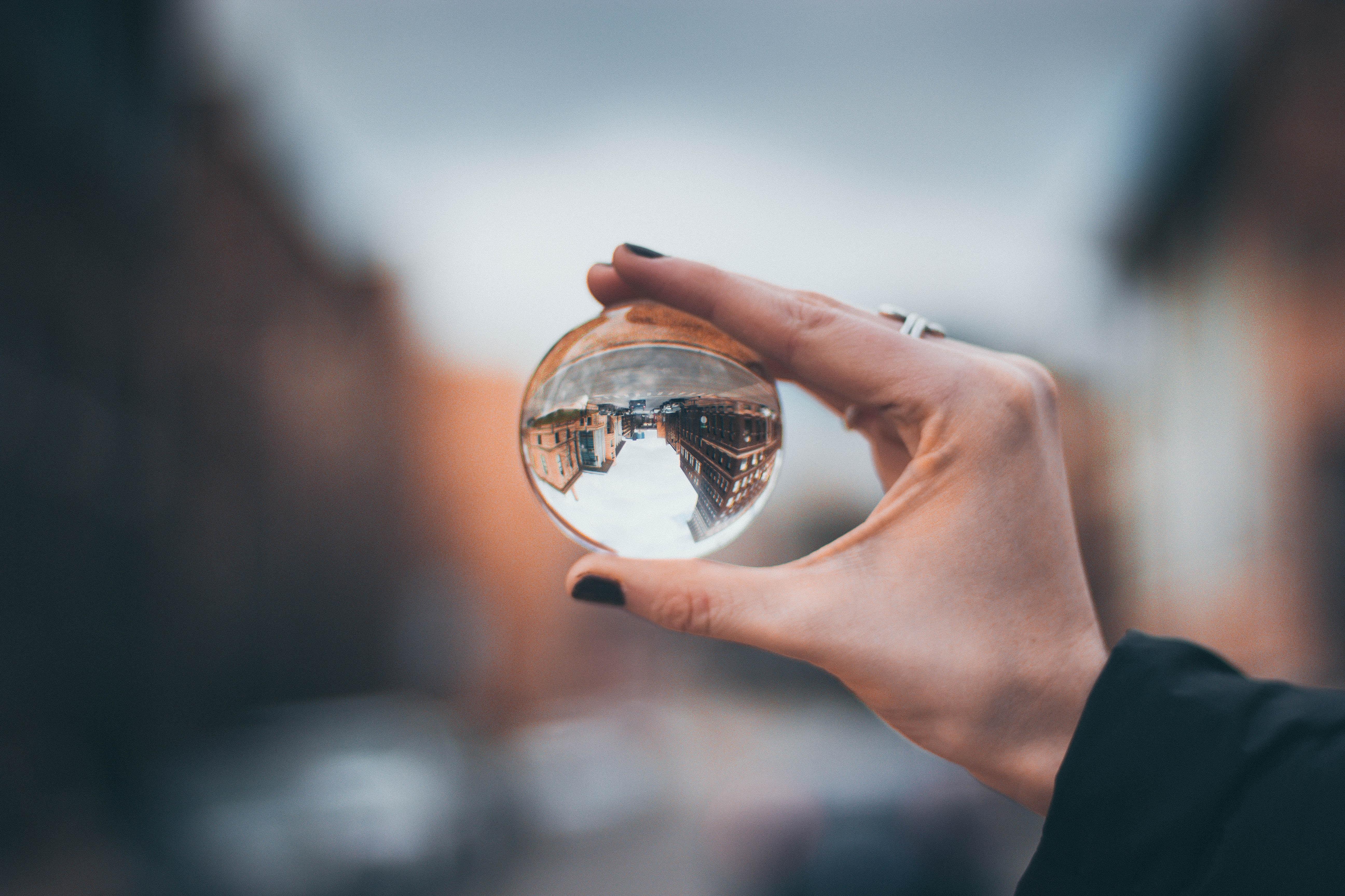 Perspektivenwechsel - dreh die Welt auf den Kopf!