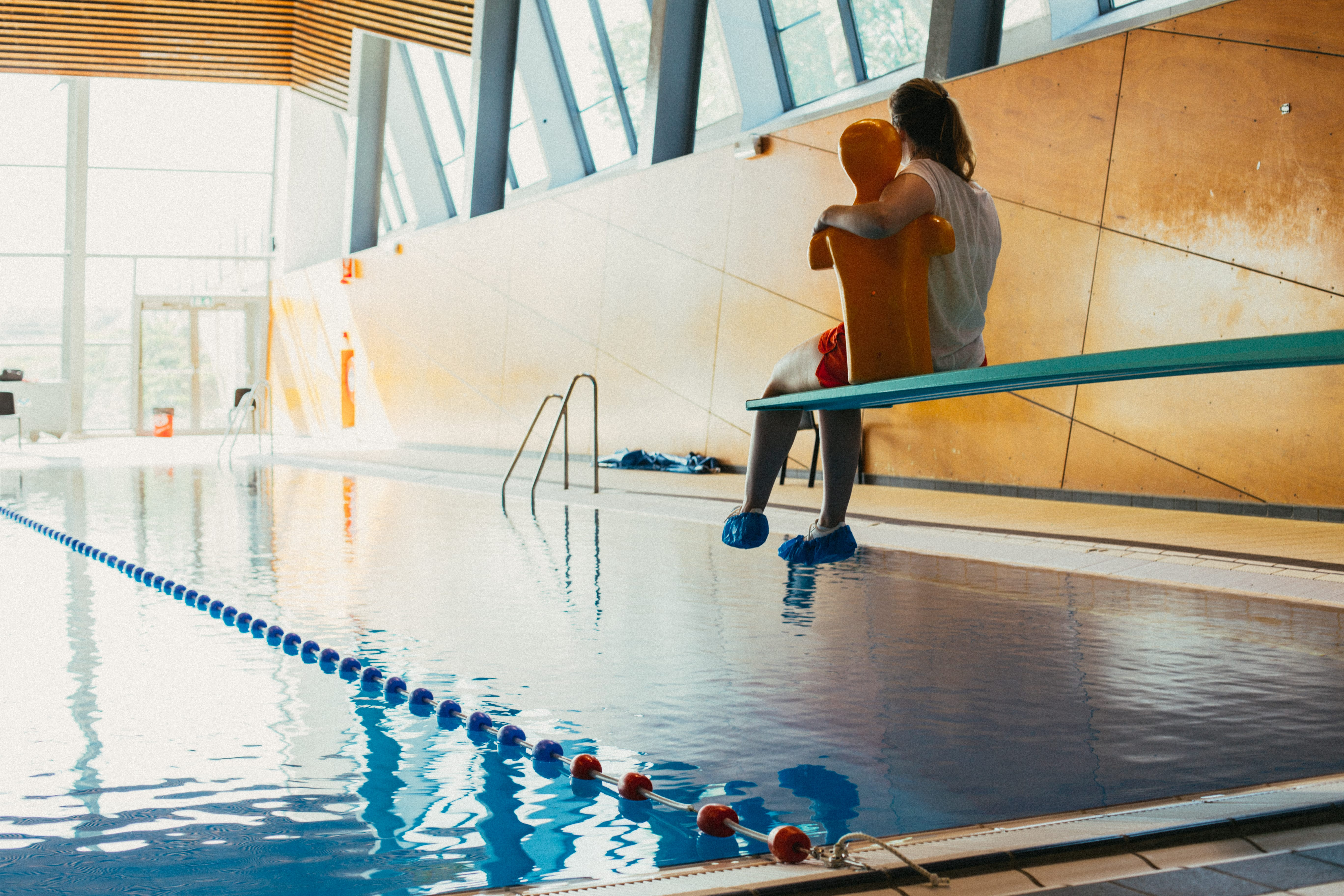 Werken in zwembad