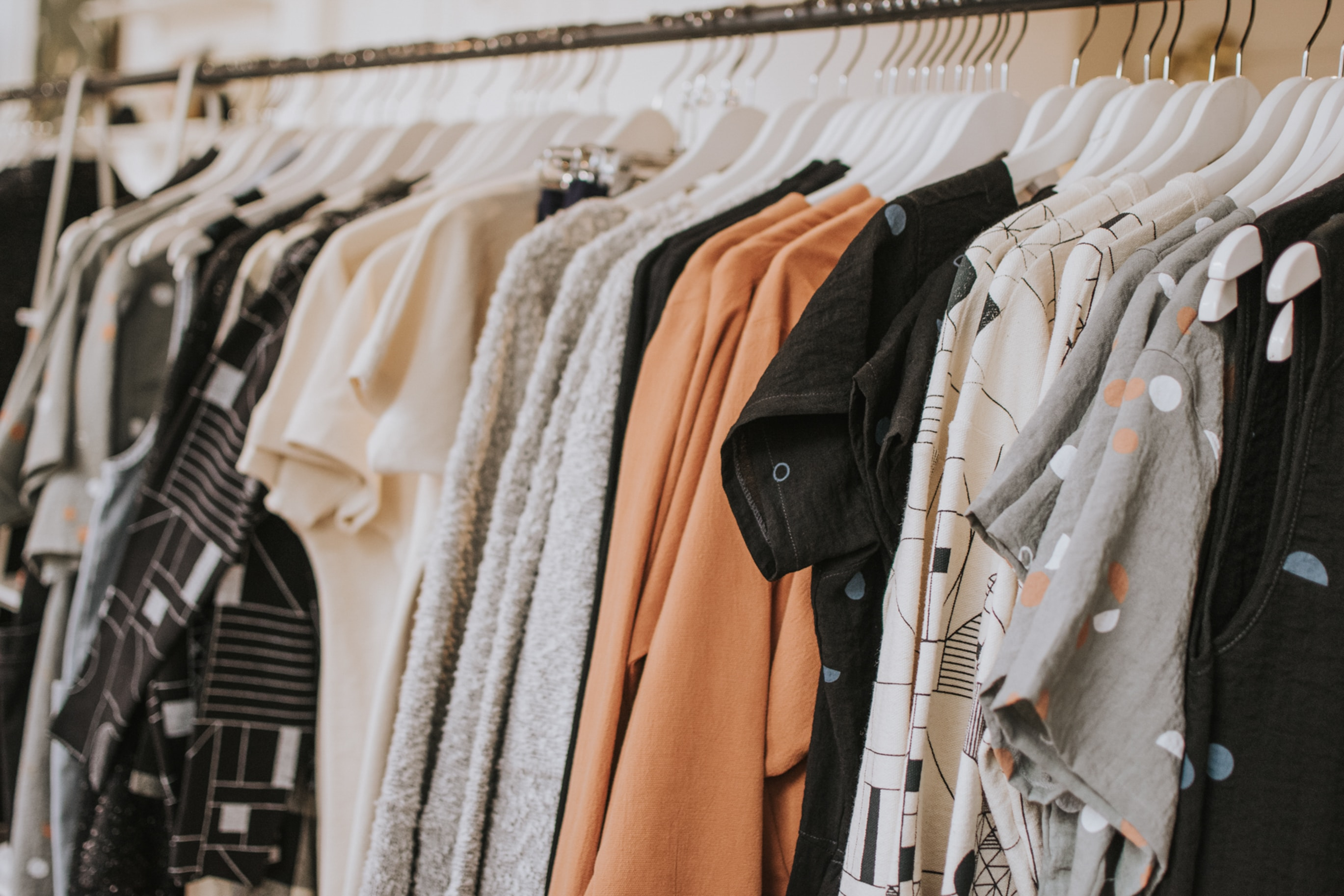 Gebrauchte Kleidung in neues Geld verwandeln