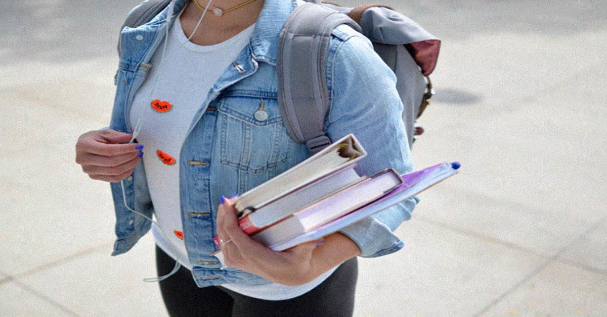 Student und Bücher