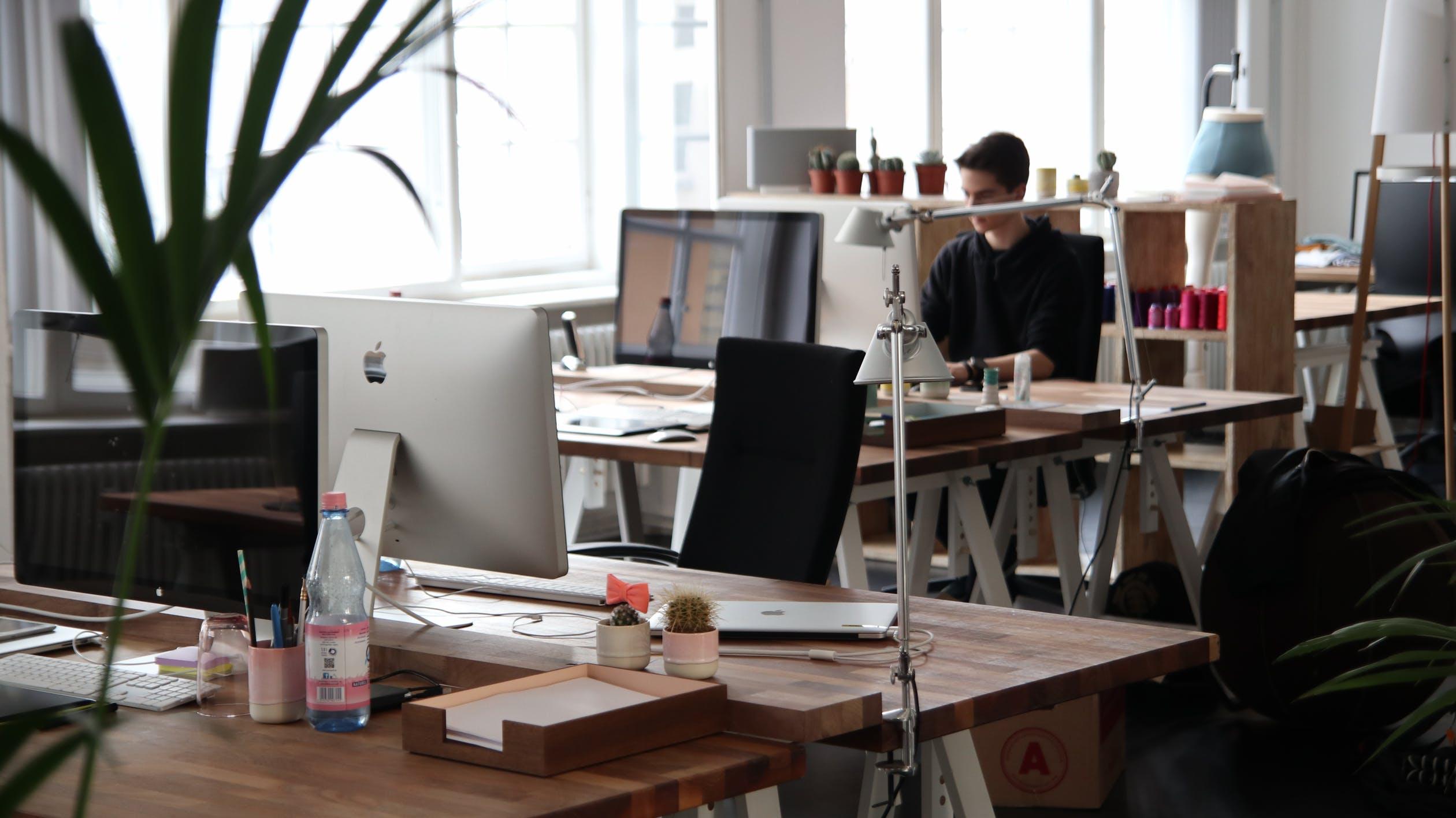Arbeit im modernen Office