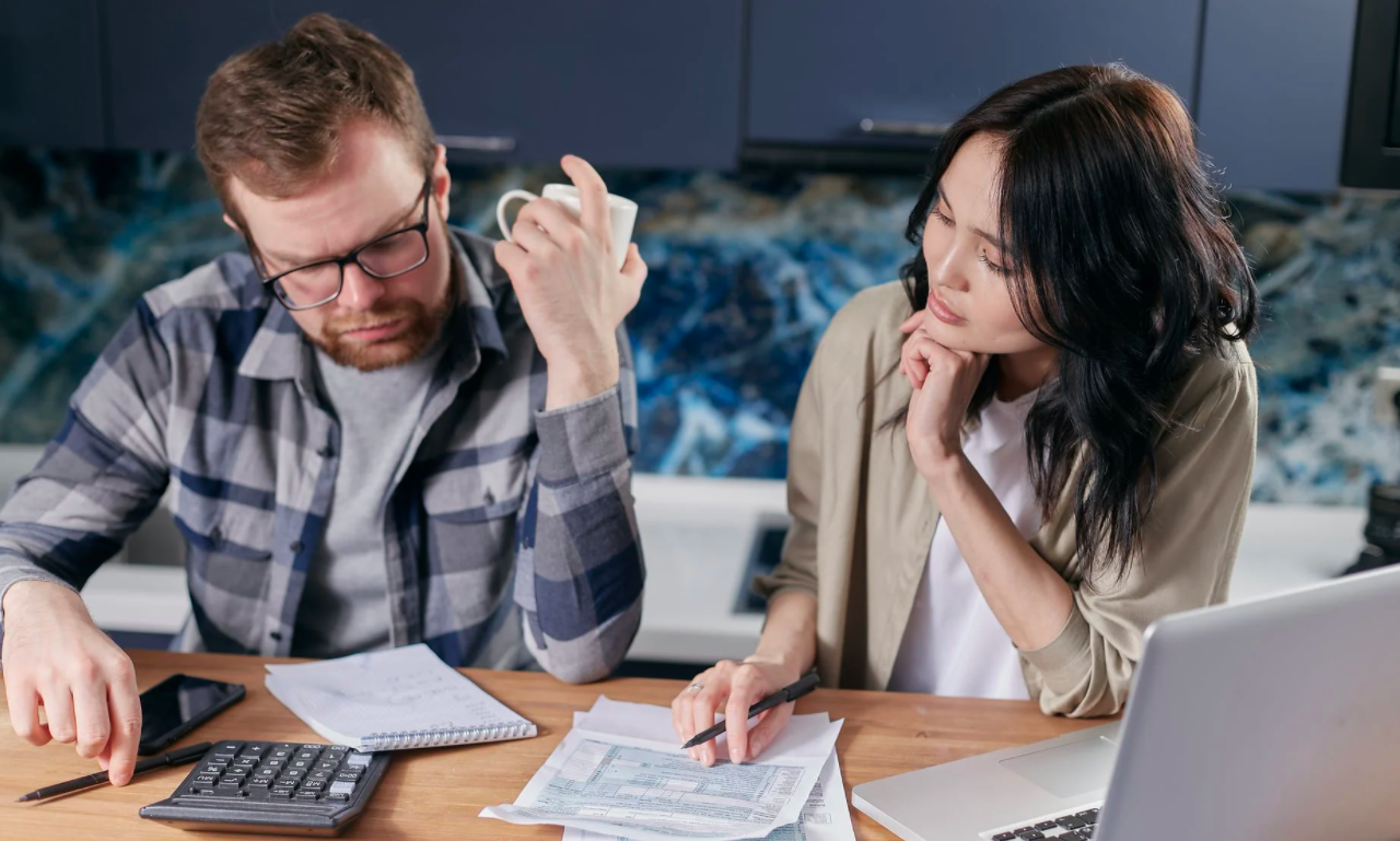 6 Hacks to Pay Off Student Debts Faster