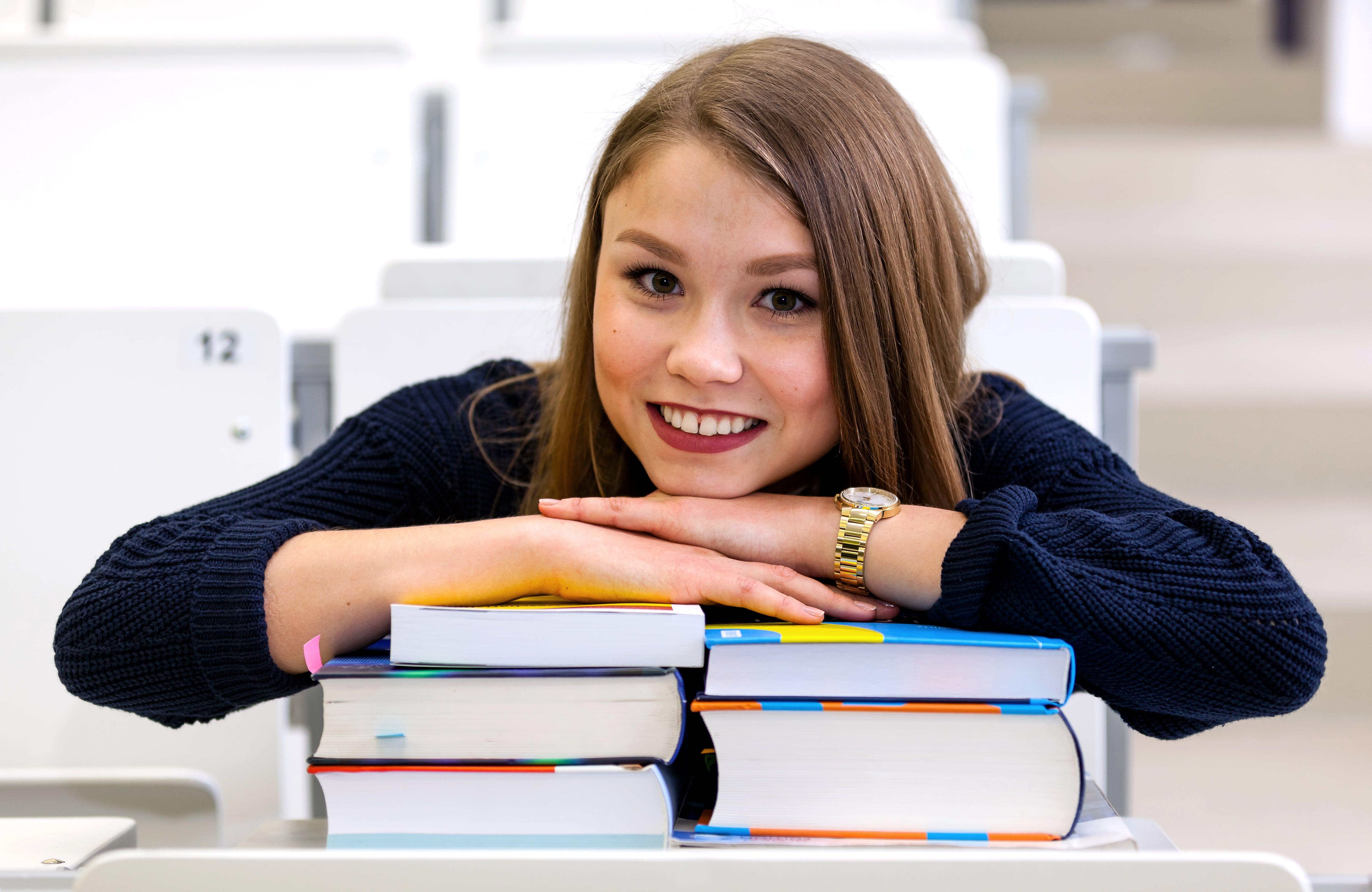 Hole dir alle wichtigen Bücher zum Lernen
